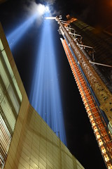 Building a Tower of Light 1 (Amaury Laporte) Tags: newyorkcity favorite usa newyork unitedstates 911 landmarks northamerica tributeinlight memorials september11memorial favorite2015