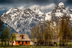 John Moulton homestead - Explore (Marvin Bredel) Tags: nationalpark homestead wyoming tetons grandteton pinkhouse jacksonhole grandtetonnationalpark greatview mormonrow antelopeflats 115mm johnmoulton marvinbredel sonya7s
