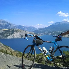 Serre-Ponçon | France (Boeris Bikes) Tags: boeris bicicletta bici francia france lago serreponçon ciclista cicloamatore passione natura montagne blu blue viaggio panorama