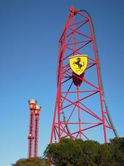 Ferrari Land (Joaquim F. P.) Tags: salou tarragona ferrariland portaventuraworld costadaurada nikon p300 compacta 2017 paw aceleradorvertical atracciones parque redforce thrilltowers torrederebote torre rebote atraccion