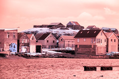 Nolsoy sur mer rouge (Photocedric) Tags: faroe duck ir dk denmark danemark red iles infrared town nolsoy sea infrarouge danmark boat 665nm islands feroe island nólsoy faroeislands fo