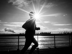 untitled (Mette1977) Tags: streetphotography 17mm olympus 2017 silhouette sunday runner sport bw hamburg urban wow