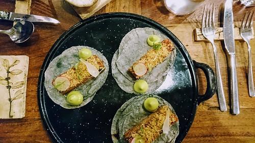 Suckling pig tacos