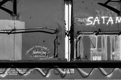 (o texano) Tags: houston texas graffiti trains freights bench benching moniker hindue gtb