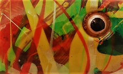 54444 (www.ilkkajukarainen.fi) Tags: helsinki suomi finland eu europa suomi100 scandinavia musem musée museet museumstuff museokrtti detail abstrct art pätäkkä fishing lure viehe uistin fobbler fish kalastus urheilu sport fiske lust taideteos moder contemporary värikäs bright colour glass eyes outsider raw folk