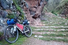 De Cusco a Písac (escapa) Tags: vallesagrado peru andes mountainbike bicycletouring roundtheworld trip