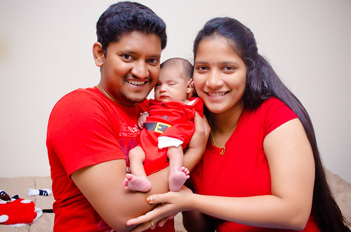 Red Theme Family Photography