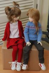 Waiting (Little little mouse) Tags: dollstown ganga susie penelope dt7 bjd dollfie lynnknit box