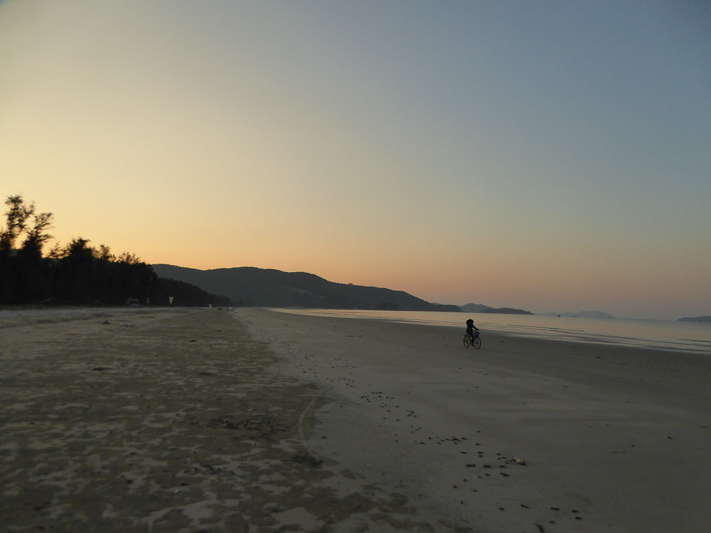 Ngoc Vung Island at sunset