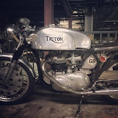 #triton @mrchuka (the known universe) Tags: classic vintage square cafe norton sierra squareformat triumph motorcycle british caferacer triton racer preunit iphoneography instagramapp uploaded:by=instagram