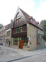 Houten Huis, Ieper (Erf-goed.be) Tags: geotagged ieper westvlaanderen houtenhuis archeonet geo:lat=508447 rijselstraat stadswoning geo:lon=28901