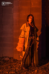 Jessica - Hellgirl (Roberto Donadello) Tags: red baby black girl start big gun cosplay smoke hell cosplayer hellboy bigbaby biggun hellgirl allaperto crosplay impermeabile