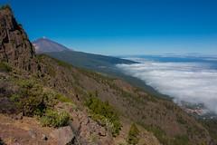 Mar de nubes - Tenerife (gasendi) Tags: espaa canon mar spain canarias nubes tenerife teide mirador eos450d chipeque gasendi