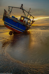 Meols Beach Sunset (2 of 14) (andyyoung37) Tags: boat meolsbeech merseyestuary beach greatsky sunset thewirral meols england unitedkingdom gb