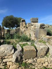 Stone and sky, ruins of Volubilis, Morocco (Paul McClure DC) Tags: morocco almaghrib fèsmeknèsregion volubilis jan2017 roman architecture historic