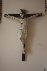 Sereninridad. (elojeador) Tags: cruz crucifijo crucifixión jesús cristo talla imagen serenidad ladrillo inri clavo cuerpo palacioepiscopaldeastorga yplacinridez elojeador