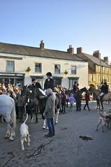 Boxing Day Hunt meet in Kirkbymoorside (petelovespurple) Tags: boxingdayhuntmeetinkirkbymoorside boxingday thehunt hunt horses hounds people ladies gentlemen ponies kirkbymoorside