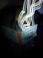Le livre magique (olivlepitre) Tags: lightpainting livre book conte rêve dream children enfant