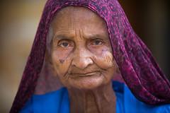 Inde: vieille dame à Jaisalmer (Rajasthan). (claude gourlay) Tags: inde india asie asia claudegourlay portrait retrato ritratti face people woman jaisalmer rajasthan