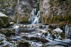 La tine de Conflens (Pierre Villanti) Tags: cascade glace latinedeconflens poselongue ferreyres vaud suisse ch waterfall ice canoneos5dmarkiv canon2470f4lisusm leefilters longexposure