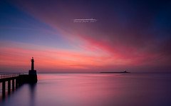 Colour Before Sunrise (Squareburn) Tags: amble northumberland coast longexposure dawn sunrise predawn lighthouse seascape