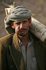 Man with turban chewing khat - Shahara - Yemen (Eric Lafforgue) Tags: republic arabic arabia yemen arabian ramadan yemeni yaman arabie jemen lafforgue arabiafelix  arabieheureuse  arabianpeninsula ericlafforgue iemen lafforguemaccom mytripsmypics imen imen yemni    jemenas    wwwericlafforguecom  alyaman ericlafforguecomericlafforgue contactlafforguemaccom yemenpicture yemenpictures