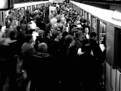 103221 (CHEN_Zheng) Tags: bw paris sport subway metro crowd tennis rolandgarros crowded ruili