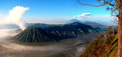 Bromo through my Camera (myudistira) Tags: bali panorama mountain work indonesia java photographer culture 2006 made bromo freelance adat budaya balinese fotografer unik canons2is eastjava yudis indonesianphotobloggers trulyasia baliview baliphotographer yudistira myudistira madeyudistira yudist