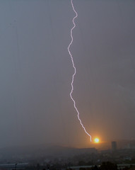 Fireball (bis) (Lolo_) Tags: storm france up marseille explosion blow electricity strike lightning fireball orage éclair foudre