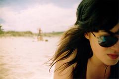 Diana (i) (DavidGorgojo) Tags: summer sun sol beach sunglasses lafotodelasemana sand holidays asturias playa arena diana verano bas vacaciones 100club serantes tapia gafasdesol 50club lfsgafasdesol