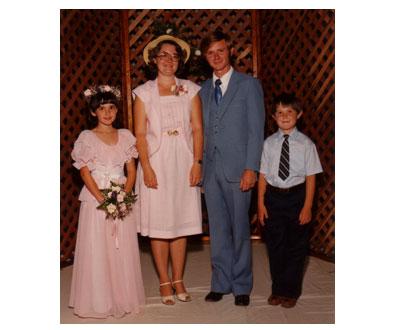 Auntie Knittery's Wedding