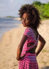 Tamika (02_0013) (ronnie.savoie) Tags: africanamerican black noir negra woman mujer chica muchacha girl pretty guapa lovely hermosa browneyes ojosnegros brownskin pielcanela portrait retrato model modelo modèle smile sonrisa sandybay roatan roatán honduras hondureña catracha bayislands islasdelabahía diaspora africandiaspora eoshe