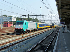 NMBS 2832 met IC Brussel te Roosendaal (Allard Bezoen) Tags: station train ic 186 loc brussel trein intercity 224 bombardier roosendaal traxx nmbs eloc 2832