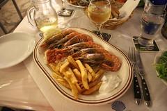 Kongerejer (Benny Hnersen) Tags: food holiday restaurant essen frites pommes greece mad griechenland ferie sivota syvota 2015 augsut grkenland kongerejer