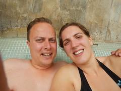 Bij het zwembad in Bangkok