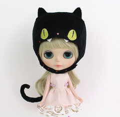 Screaming black cat set