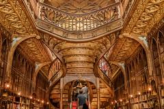 Library Art bookshop - Porto 2015 (Eric R Porcher) Tags: 2015 201507 europe porto portugal canoneos7dmarkii ef24105mmf4lisusm librairie escalier bois