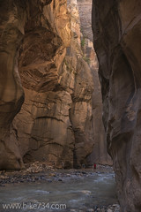 "The Narrows • <a style=""font-size:0.8em;"" href=""http://www.flickr.com/photos/63501323@N07/22503719305/"" target=""_blank"">View on Flickr</a>"