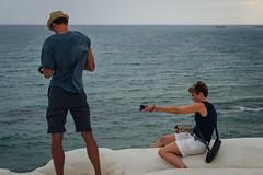 (Antonio_Trogu) Tags: italien sea summer italy beach seaside couple italia mare candid streetphotography sicily italie sicilia photographing agrigento sizilien 2015 portoempedocle sicilie realmonte scaladeiturchi antoniotrogu nikond3100