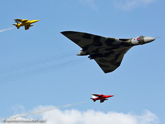 vulcangnats-1-1-1 (Stewart Taylor (SMT Photography)) Tags: history classic photography flying photo aircraft aviation air flight historic airshow vulcan gnat coldwar avro gnats airdisplay vbomber churchfenton avrovulcan folland flyingdisplay follandgnat classicjet