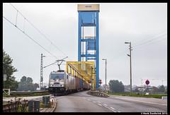 Metrans 386 009, Hamburg 8-10-2015 (Henk Zwoferink) Tags: hamburg 009 henk duitsland bombardier traxx 386 kattwykbrücke metrans zwoferink