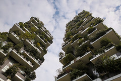 Bosco Verticale (Markus Moning) Tags: markusmoning moning canon eos 5d mark iii milano milan mailand italy italia italien bosco verticale porta nuova district building vertical forest gebäude architecture architektur design residential tower towers boeri studio plants plant