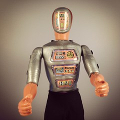 Maskatron Revealed (WEBmikey) Tags: toys sixmilliondollarman smdm kenner maskatron