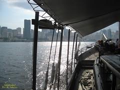 Volta (Janos Graber) Tags: barco baía embarcado volta praçaxv cidade riodejaneiro pessoas