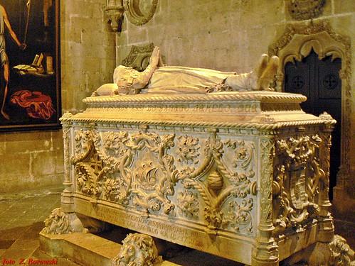 Lisbon - Manueline sarcophagus of Vasco da Gama
