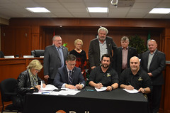 Welland Raiders Lacrosse Association Signing User Agreement