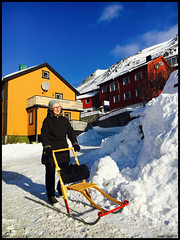 Woman and sledge, Honningsvåg, Norwegian Arctic. (TheHumanTourist) Tags: norway snow arctic honningsvåg portrait sledge