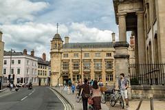 Street Scene, Oxford, England (chasingthelight10) Tags: england places oxford oxforduniversity