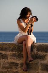 admiring the photos - ammirando le foto (romanato roberto) Tags: sardegna summer naked nude nikon italia sardinia fotografie estate photos 200 roberto 18 vacanze isola alghero holdays vrii d7000 ammirando romanato adimiring