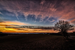 Sunrise old fashion (drummerwinger) Tags: rot cloudsstormssunsetssunrises canon700d tokina lengdorf erding sonnenaufgang sunrise wolken landscape landschaft